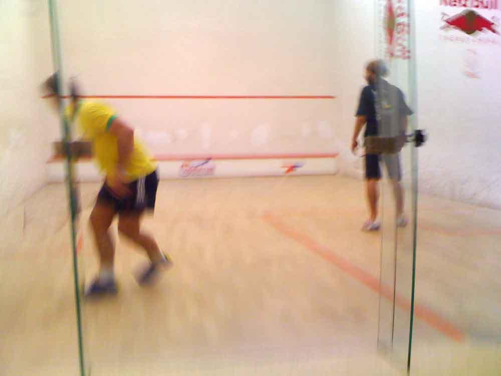 Mit welcher Taktik spielt man beim Squash am erfolgreichsten?