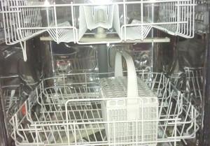 Ein Geschirrspüler muss strom- und wassersparend sein