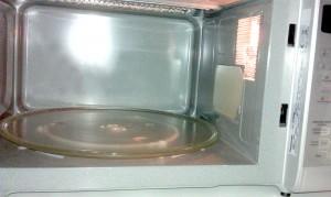 Eine Mikrowelle übernimmt immer mehr Funktionen in der Küche