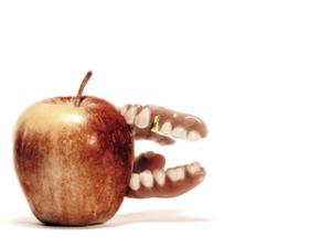 Bonusheft der Krankenkasse hilft beim Zahnarzt kosten zu sparen