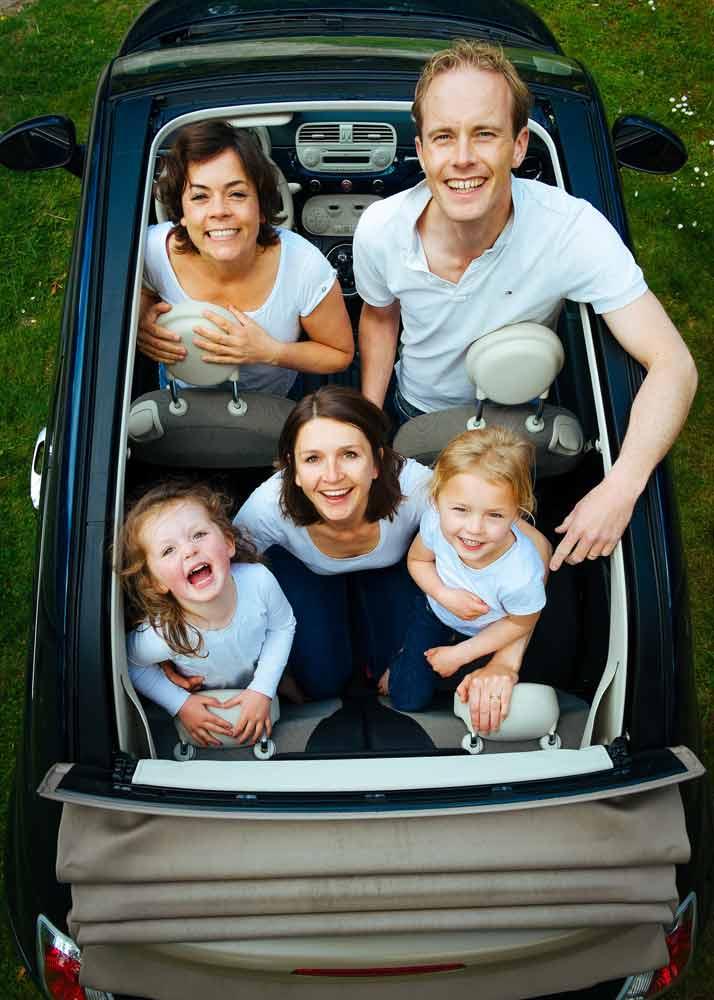 Ein Auto ist aus dem Alltag nicht wegzudenken. Bevor es gerahren werden darf, muss es versichert und angemeldet werden